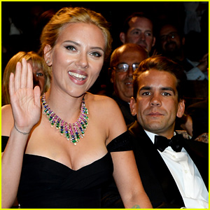 ScarJo's Engaged. Yeah Yeah. Let's focus on her beautiful cleavage. Oh My!
